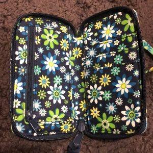 Vera Bradley Bags - Vera Bradley wallet clutch